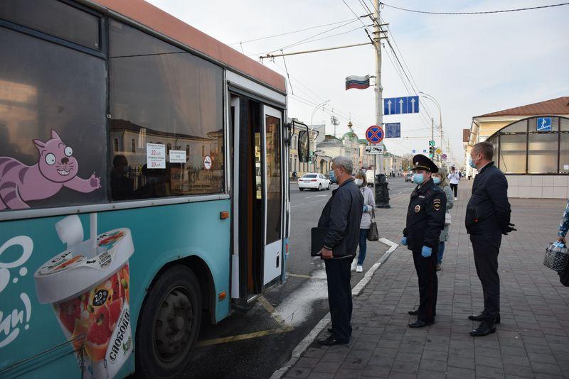 В Тамбове усилен контроль за ношением масок в общественном транспорте