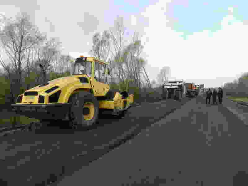 В Тамбовской области на дороги укладывают переработанный асфальт