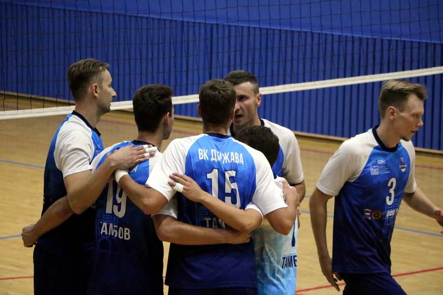 """Волейболисты """"Тамбова"""" одержали волевую победу в финале первой лиги чемпионата России"""