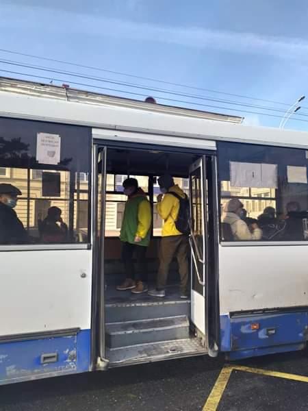 Волонтеры ТГУ провели рейд по ношению масок в автобусах