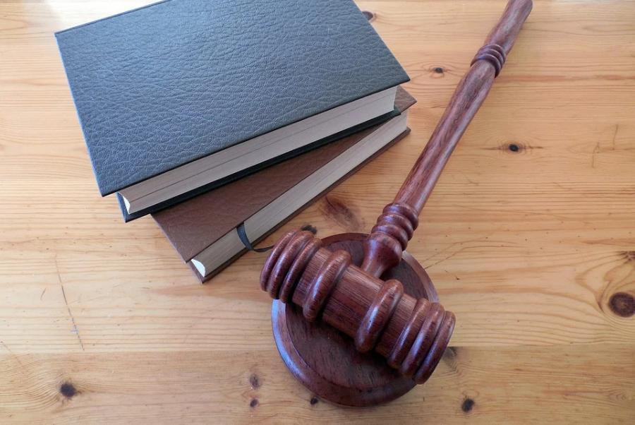 Бывшего сотрудника колонии осудили за получение взятки
