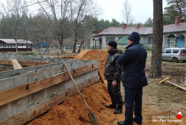 Глава Котовска Алексей Плахотников ознакомился с ходом работ в загородных лагерях