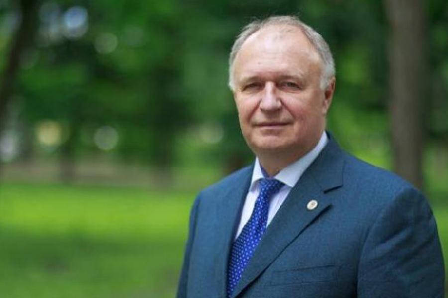 Глава Котовска Алексей Плахотников поздравил жителей с Днём народного единства