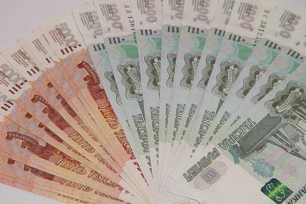 Госдума заморозила индексацию зарплат чиновников