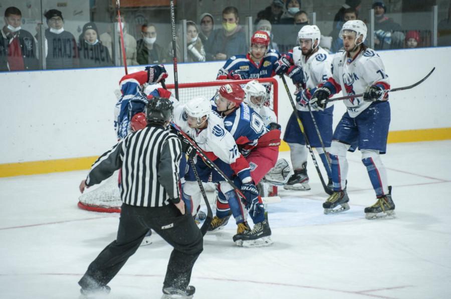 Хоккеисты ТГУ сыграют решающий матч за звание чемпиона Студенческой лиги