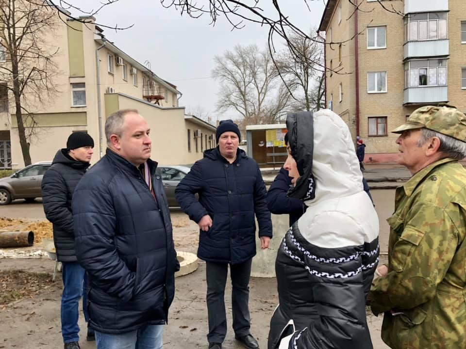 Максим Косенков поручил отремонтировать после пожара подъезд на западе Тамбова