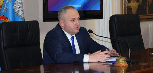 Максим Косенков провел первое рабочее совещание в статусе временно исполняющего полномочия главы города