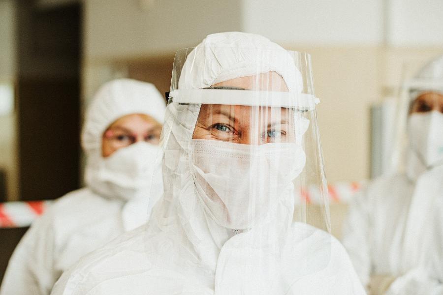 Массовая вакцинация россиян от коронавируса может начаться до Нового года