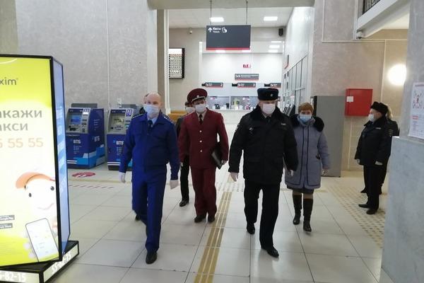На железнодорожном вокзале Тамбов-1 прошел контрольный рейд