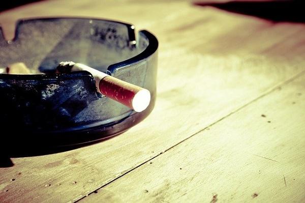 Тамбовчане просят разрешить продавать сигареты возле школ