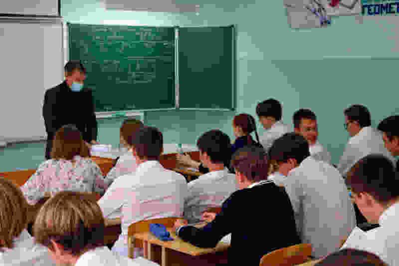 Тамбовские школьники вернутся к очному обучению с 23 ноября