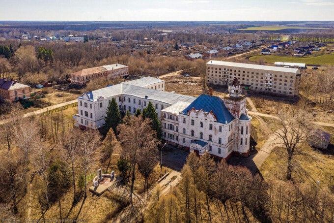 «Тамбовский Хогвартс» в Ржаксинском районе выставят на продажу