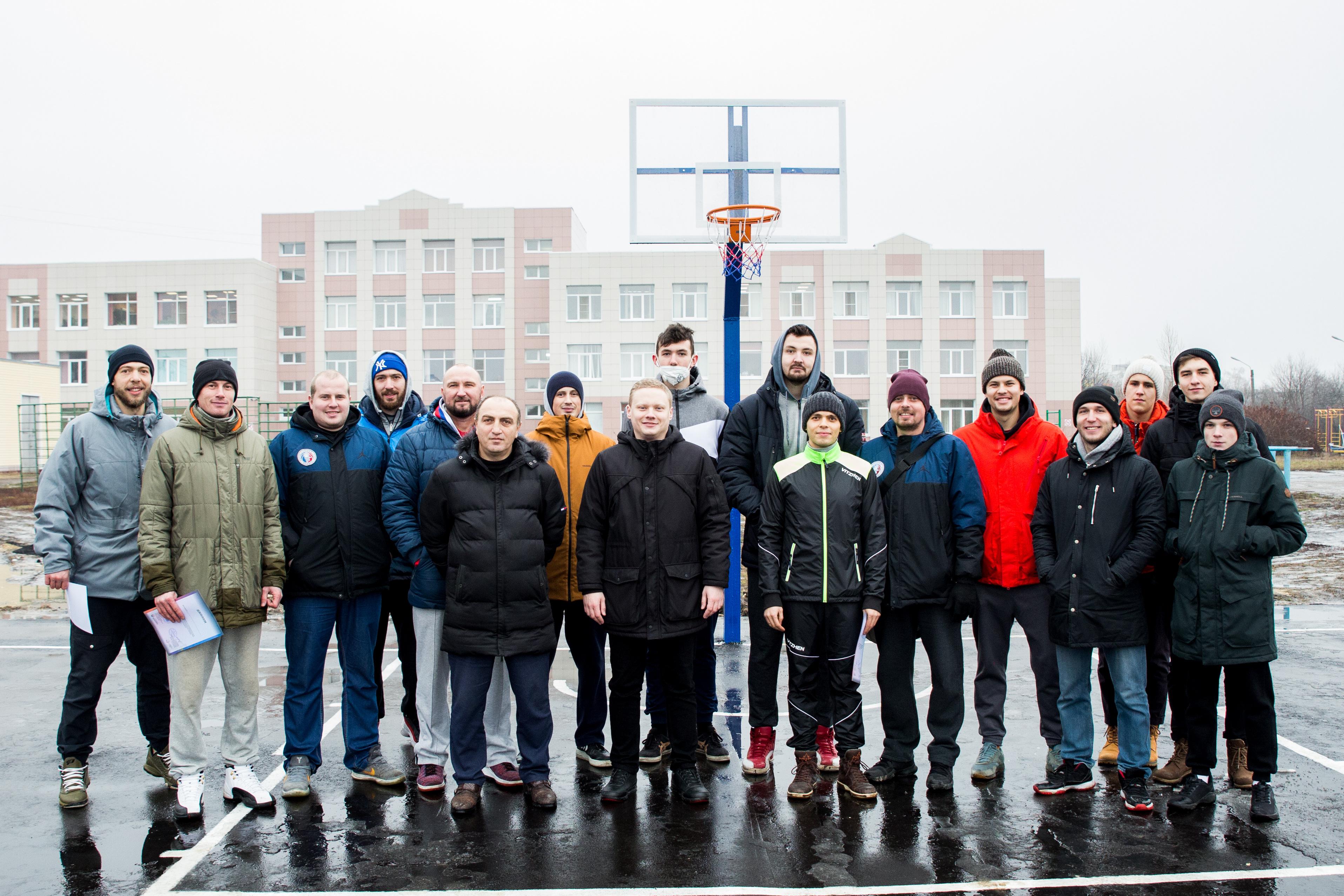 У Парка Победы в Тамбове открылась новая баскетбольная площадка