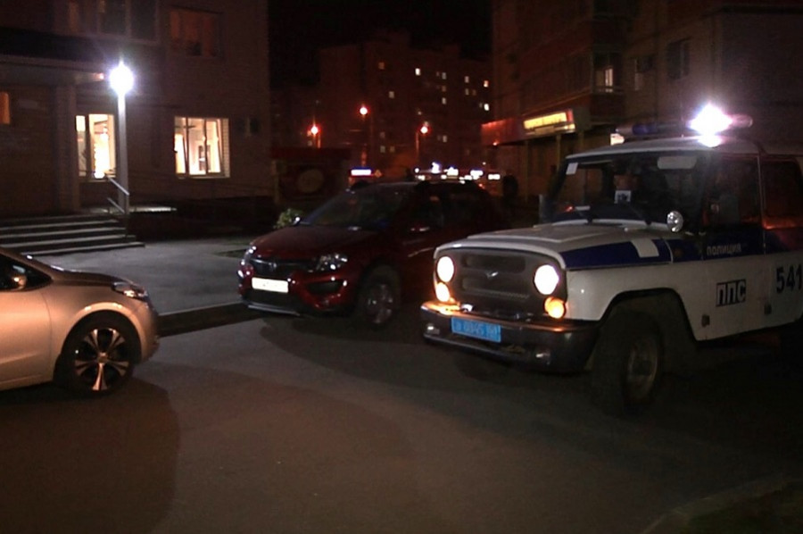 В Мичуринске мужчина угрожал подросткам пистолетом