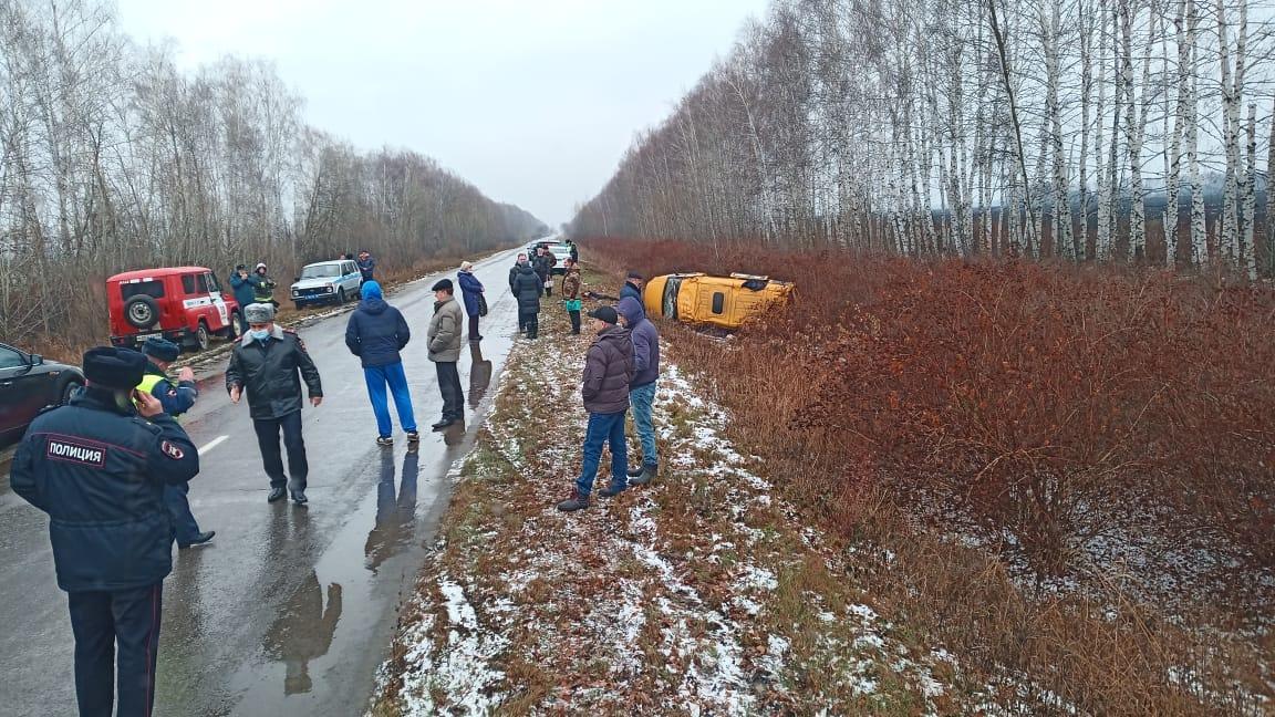 В Моршанском районе перевернулась маршрутка: один человек погиб, трое пострадали