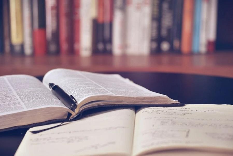 В школах и вузах в 2021 году введут новые воспитательные программы