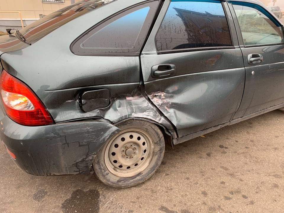 В центре Тамбова столкнулись две легковушки: есть пострадавший