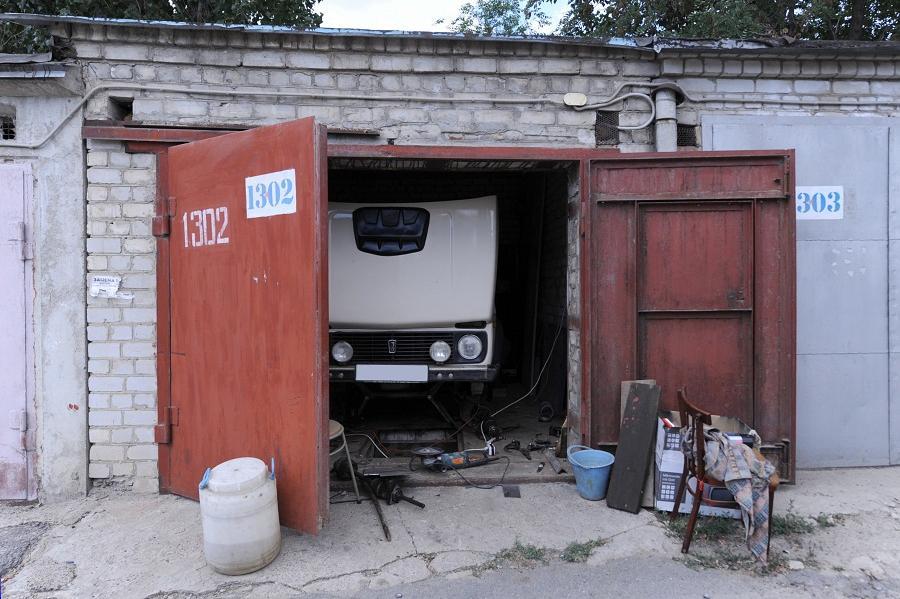 Власти Тамбова ищут владельцев гаражей, расположенных на Коммунальной