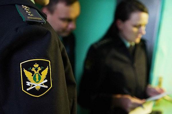 За долги по налогам и штрафам у тамбовчанина арестовали иномарку