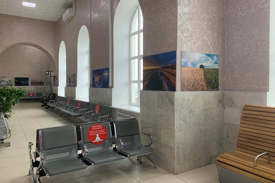 Железнодорожный вокзал Тамбова украсили фотографии России