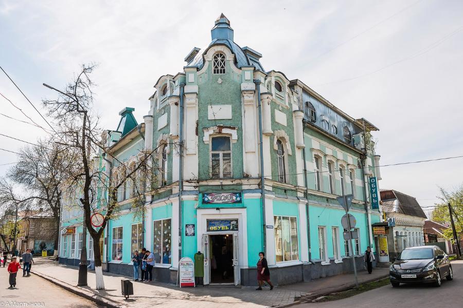 Житель Мичуринска похитил в магазине женское пальто и скрылся