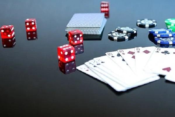 Двое жителей Тамбовской области обвиняются в организации незаконного игорного бизнеса