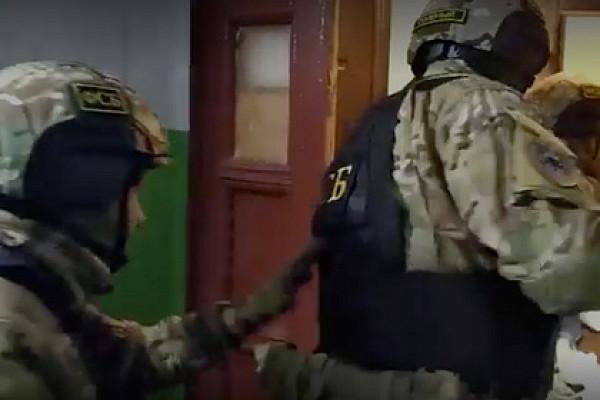 ФСБпоказала видео задержания готовившего теракт студента