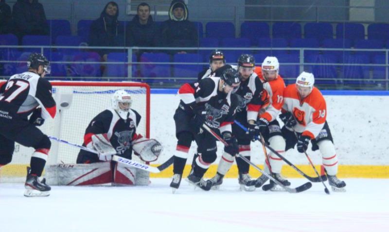ХК «Тамбов» проиграл первый матч домашней серии по буллитам