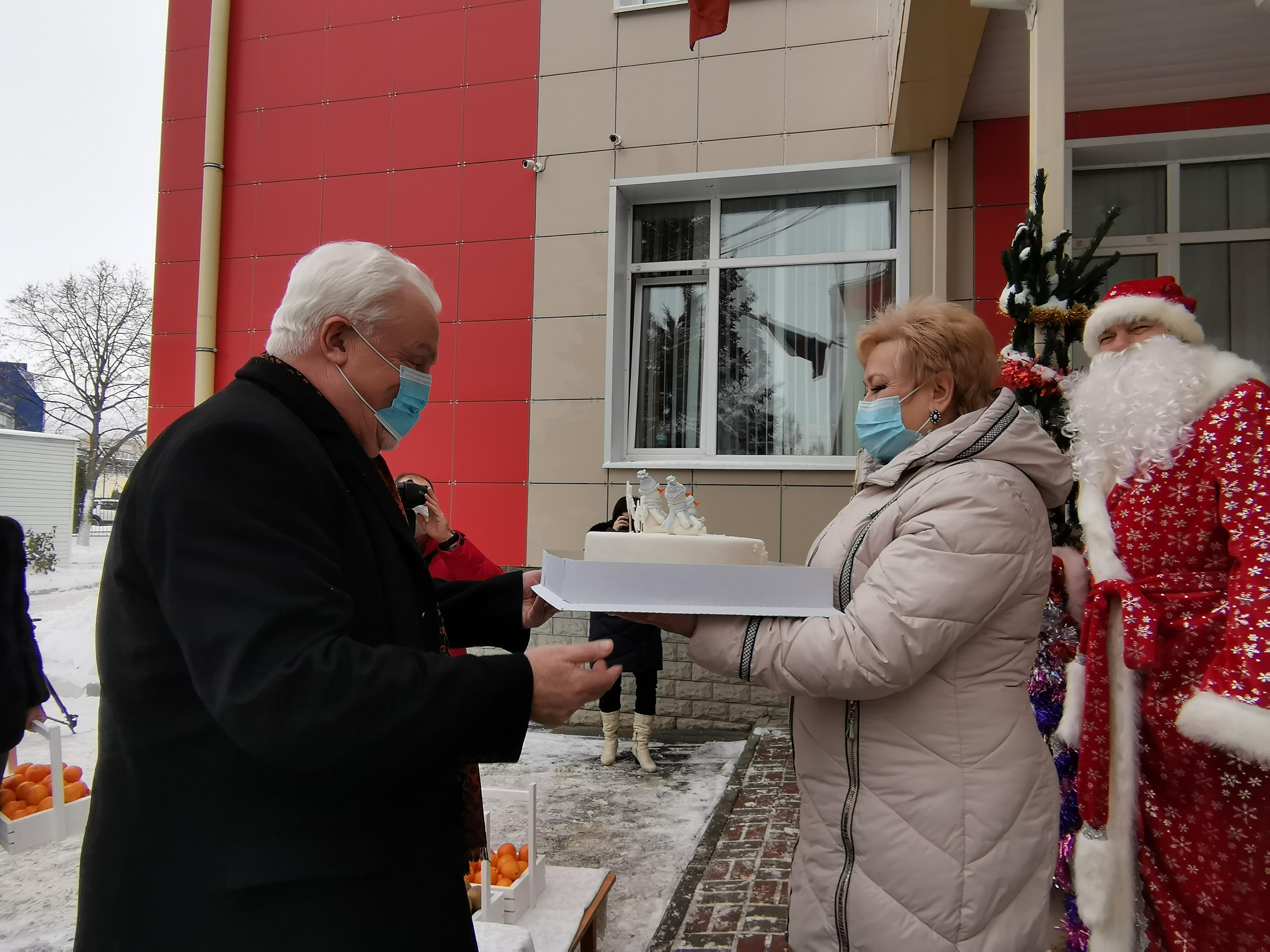 Малышей из Дома ребёнка депутаты облдумы поздравили заочно