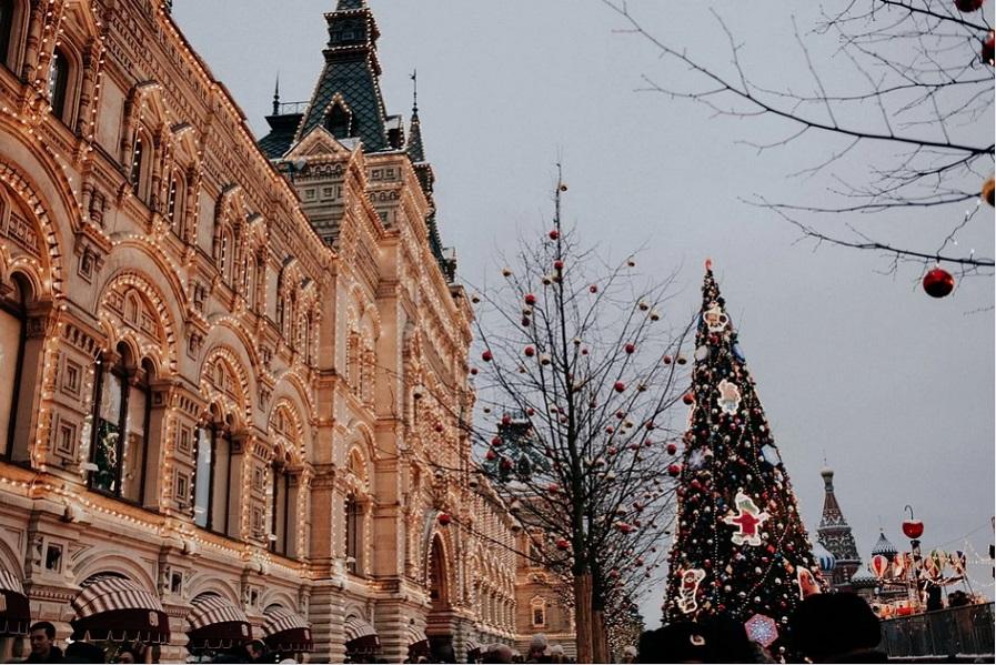Новогодние каникулы в России предлагают перенести на май
