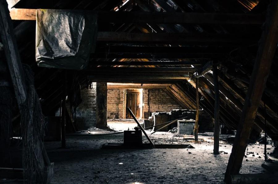 С нового года хранение вещей на чердаках и в подвалах многоэтажек окажется под запретом