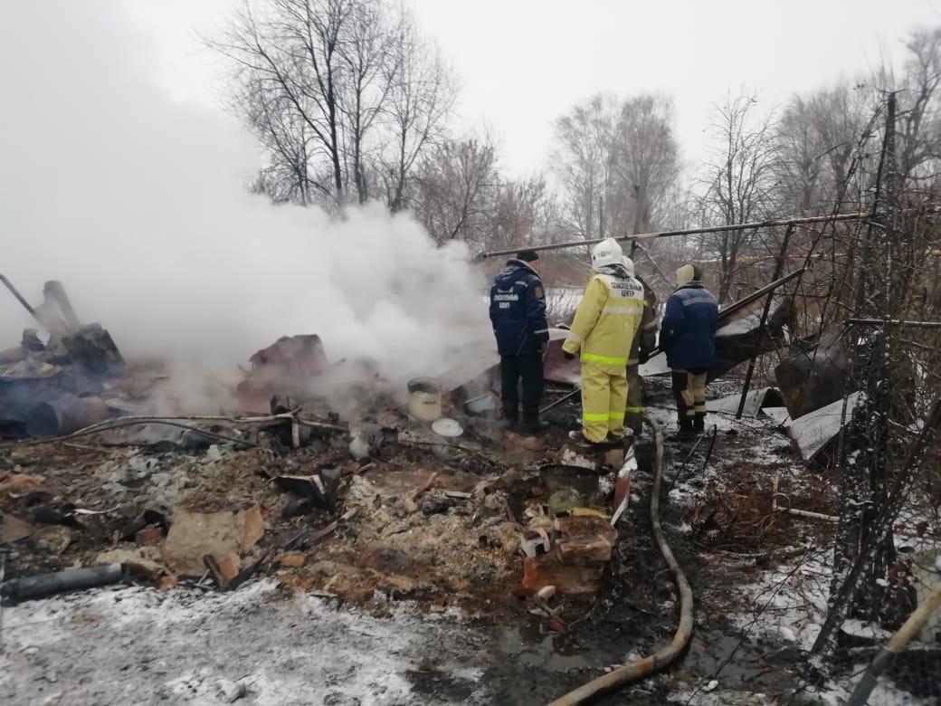 Семья с двумя детьми погибла при пожаре в Моршанском районе