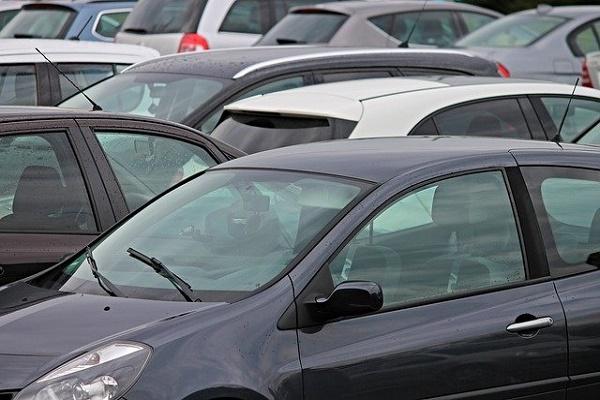 Тамбовчане пожаловались на недостаток парковочных мест