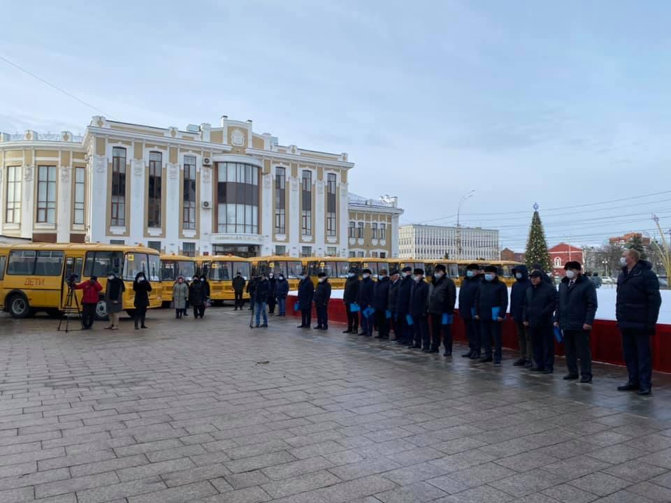 В муниципалитеты Тамбовской области поступили 26 новых школьных автобусов