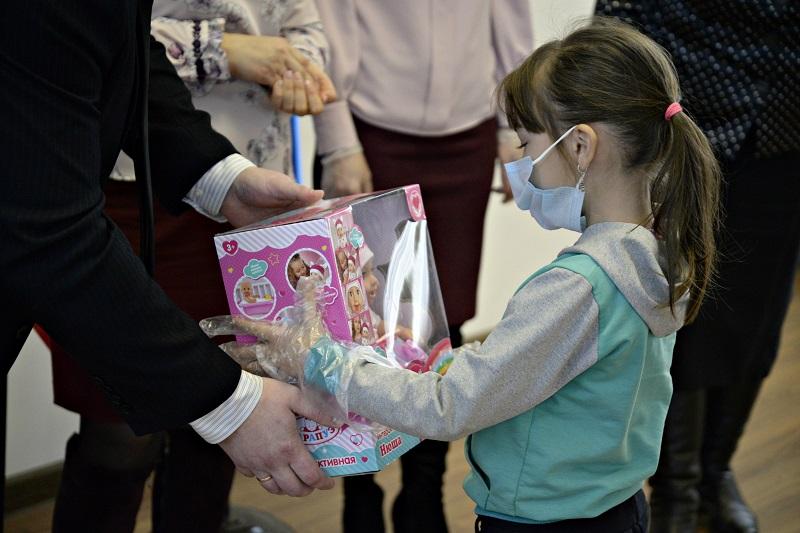 """В Рассказовском районе подвели итоги благотворительной акции """"Дерево добра"""""""