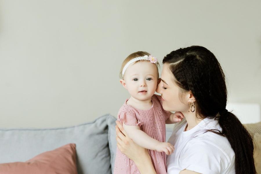 В России семьи с детьми до семи лет получат по 5 тысяч рублей