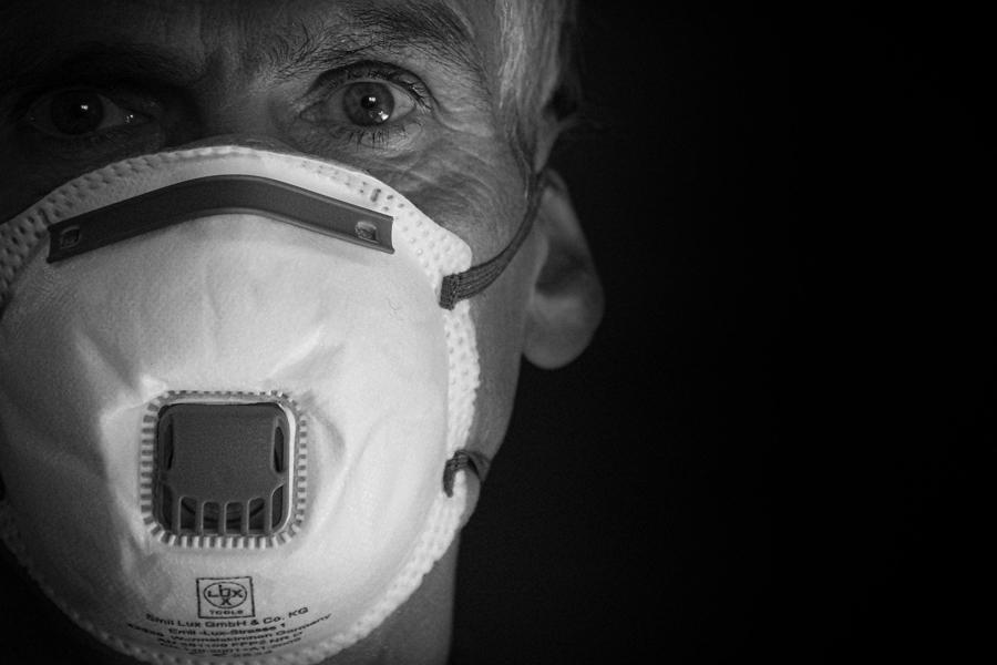 В России установлен рекорд по суточной смертности от коронавируса