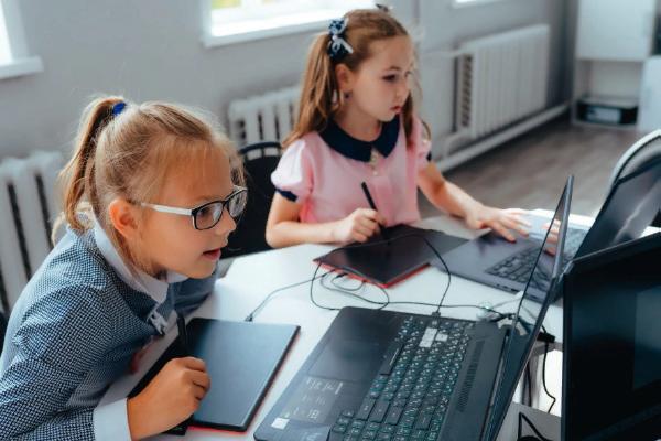 В школах Рассказовского района продолжится модернизация компьютерных классов