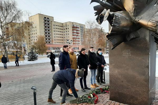 ВТамбове почтили память главного военного дирижёра России, погибшего вавиакатастрофе подСочи