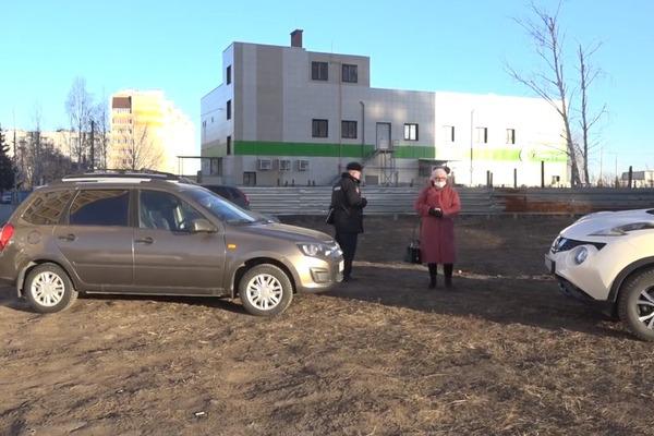 В Тамбове проводят рейды по выявлению парковок на газонах