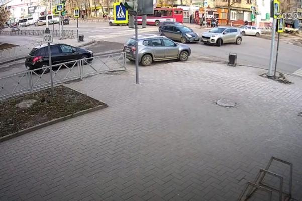 В центре Тамбова на опасном перекрёстке вновь случилось ДТП