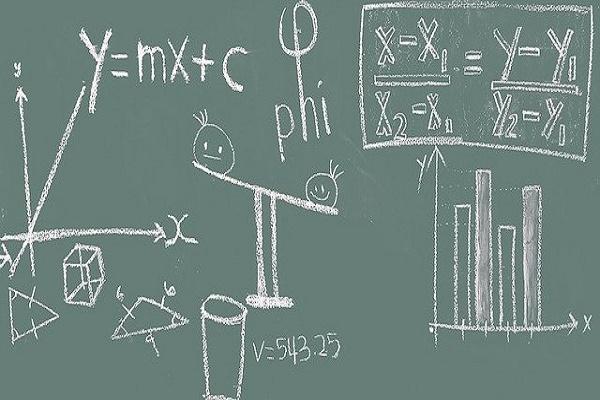 Владимир Путин поручил усовершенствовать преподавание математики и информатики в школах