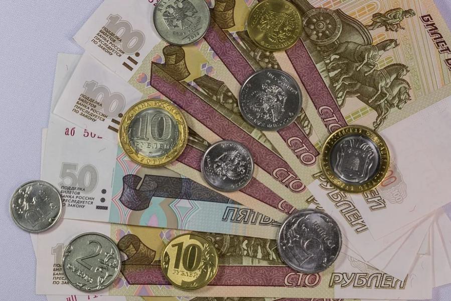 К февралю курс рубля упадет до минимальных значений с начала года