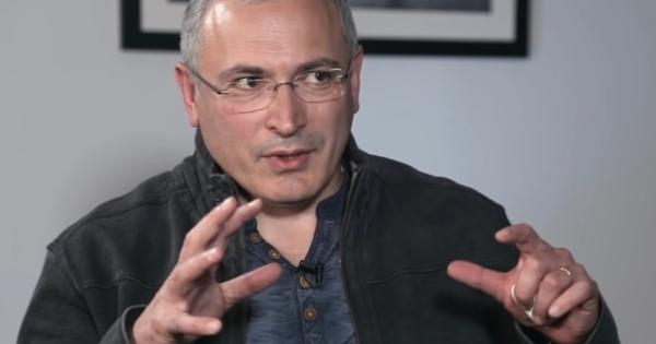 «Место Путина проклято»: Ходорковский раскрыл мистические последствия президентства вРоссии
