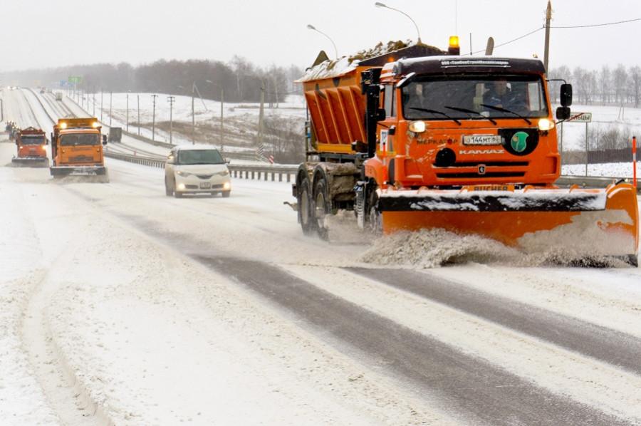 На федеральных трасах Тамбовской области ликвидируют последствия снегопада