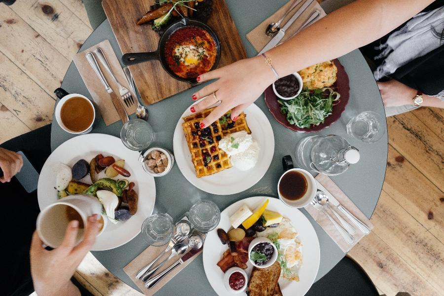 Названы продукты, которые нельзя есть на завтрак