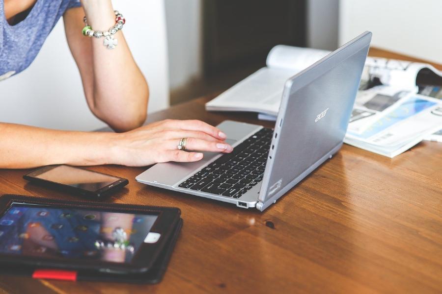 Психолог рассказал, как бороться с зависимостью от соцсетей