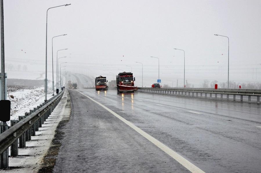 Спецтехника обеспечит бесперебойное движение на федеральных трассах области в непогоду