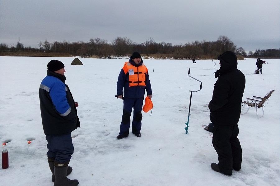 Тамбовские спасатели проверяют водоёмы области