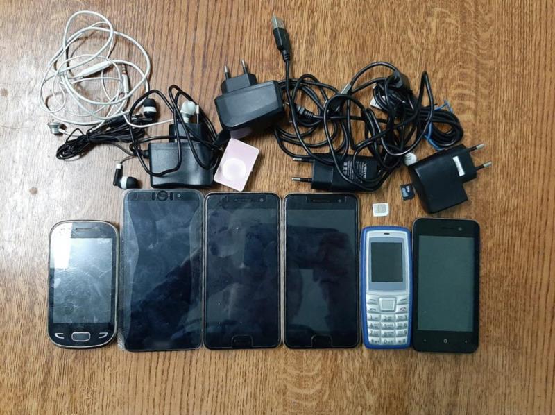 У заключённых одной из тамбовских колоний обнаружили средства сотовой связи